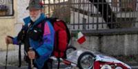 Italo Benedetti intraprende un viaggio a piedi verso la Cina